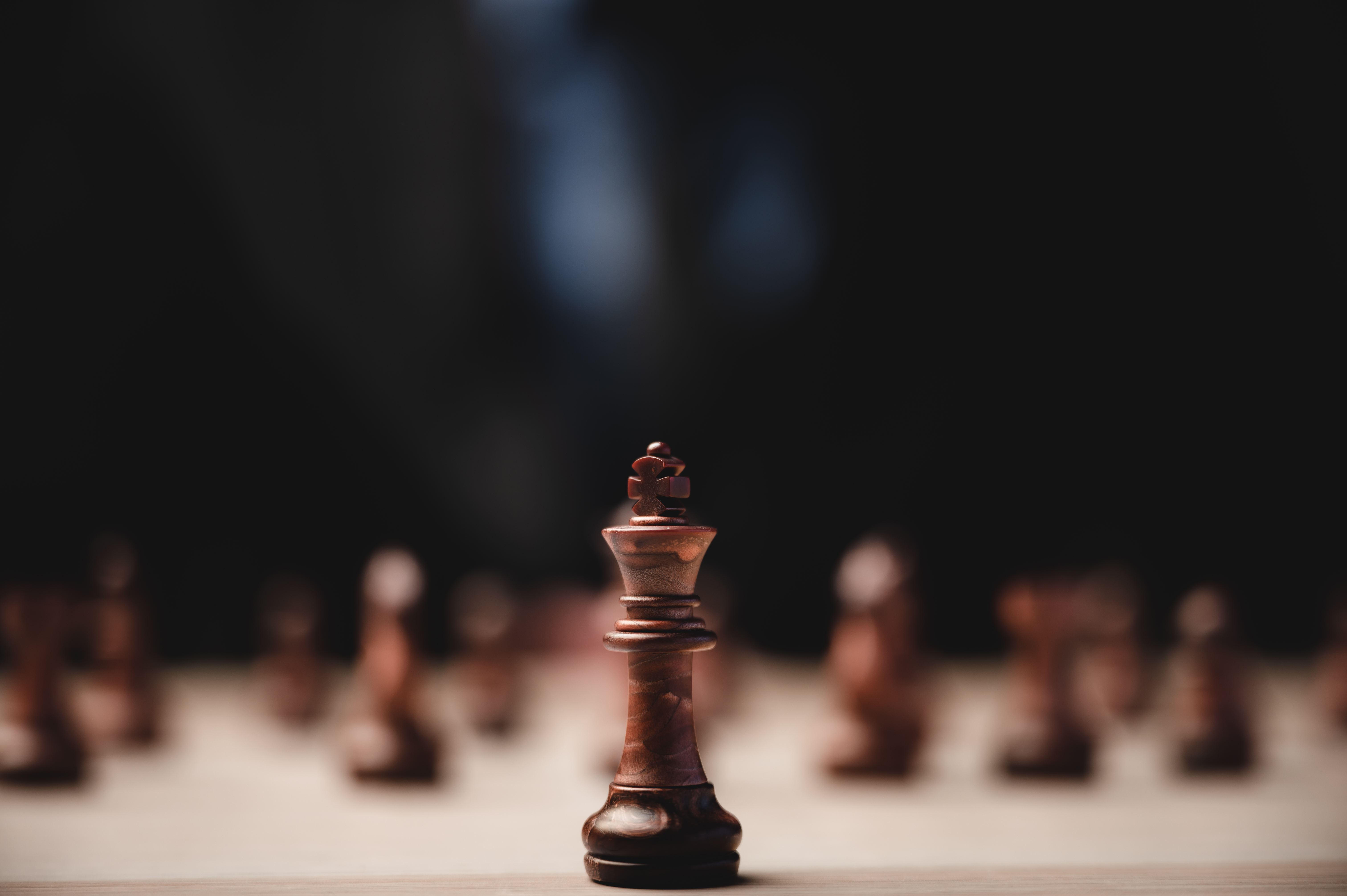 chess-strategy-business-leadership-team-success-concept-game-king-leader-competition-with-teamwork-power-challenge-pawn-piece-playing-board-victory-intelligence-chessboard